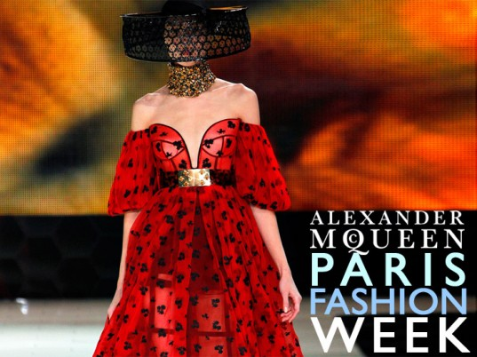 new-fashion-dress in Paris fashion week 2013