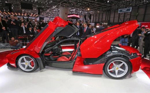 Ferrari-LaFerrari-interior-view picture