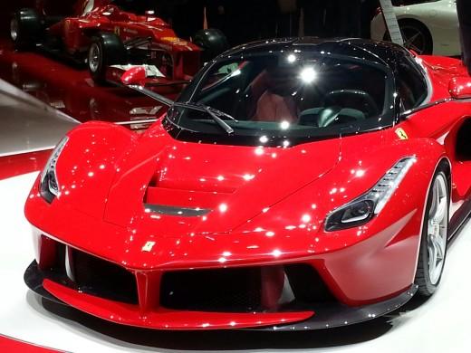 Latest-La-Ferrari-Car-HD-Widescreen-background-images