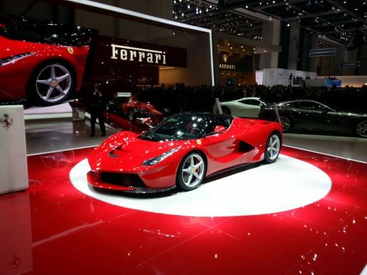 most-beautiful-sports-car-La-Ferrari-photo