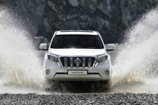 Latest-LandCruiser-2014-New-shape-pictures-USA-UAE