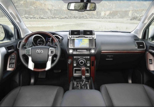 Latest-LandCruiser-2014-interior-pictures