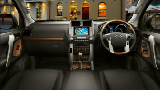 dashboard-2014-toyota-prado-pictures