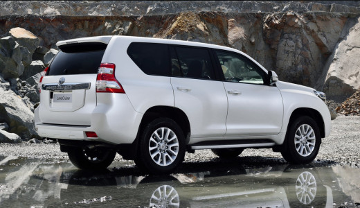 new-LandCruiser-2014-review-price-usa-pakistan