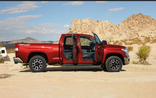 New-Tundra-Model-2014-interior-Picture