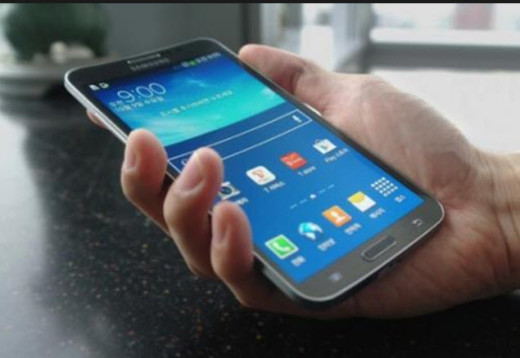 Samsung-Galaxy-Round-smartphone-review-2014-2015